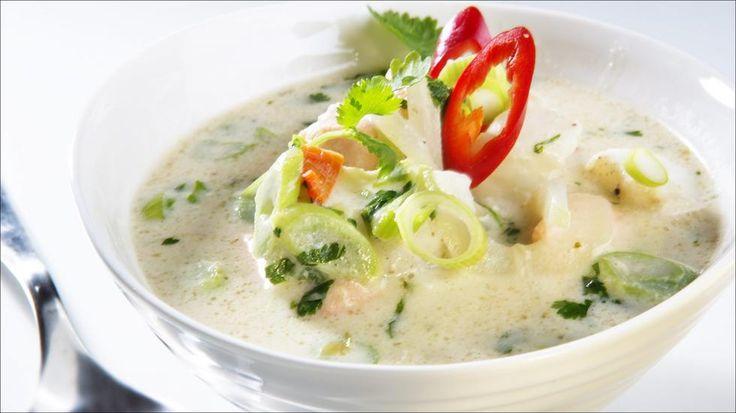 «Thaisuppe» med steinbit og laks  - Godt.no - Finn noe godt å spise