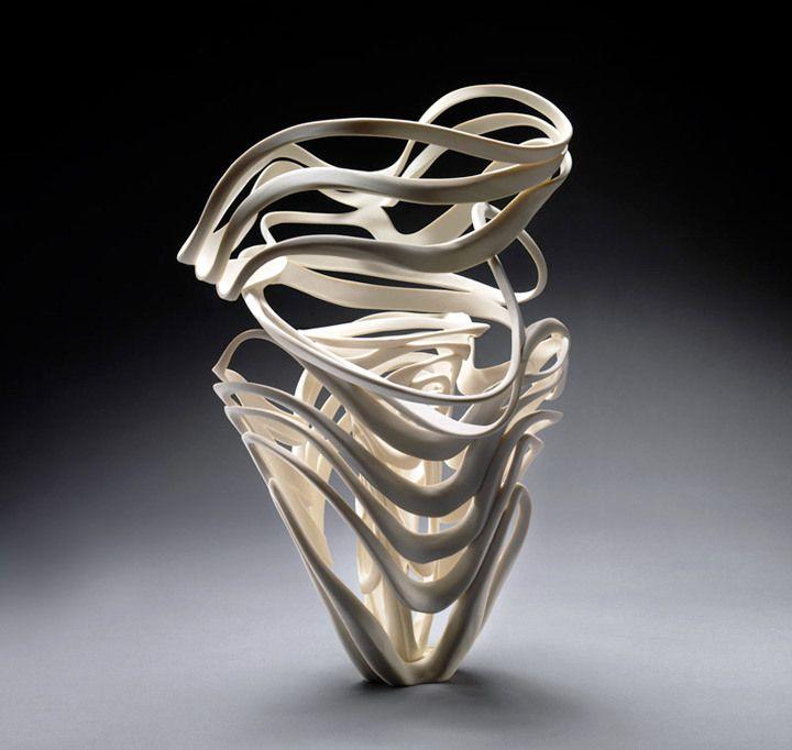Jennifer McCurdy: Echo Vase • Ceramics Now - Contemporary ceramics magazine