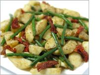 Potato salad with green beans and semi-dried tomatoes - MediterrAsian.com