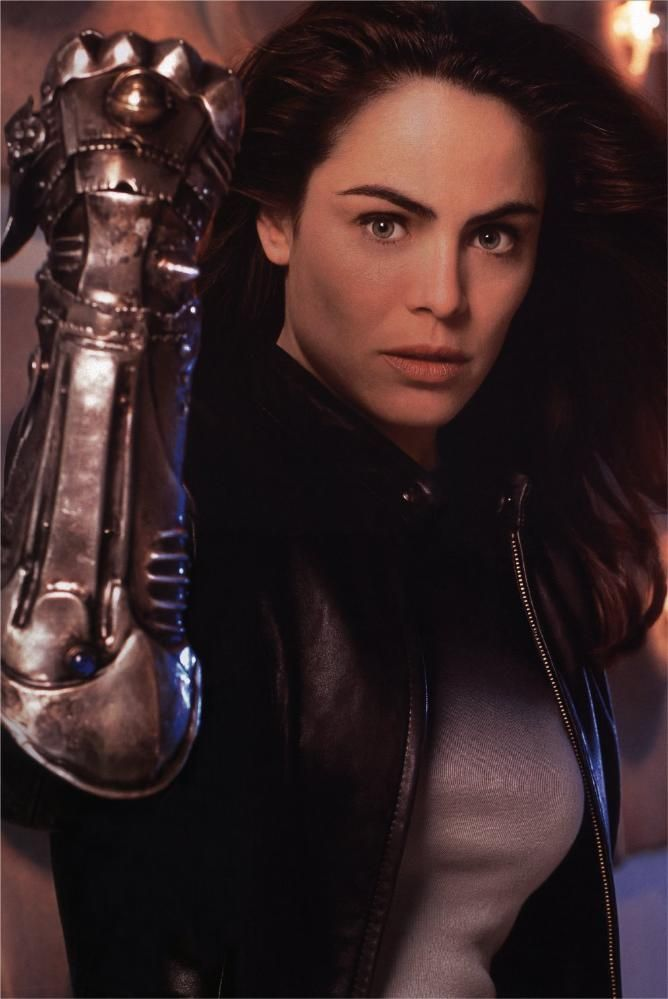 Yancy Butler as Det. Sara 'Pez' Pezzini in Witchblade Tv series. 2001-2002