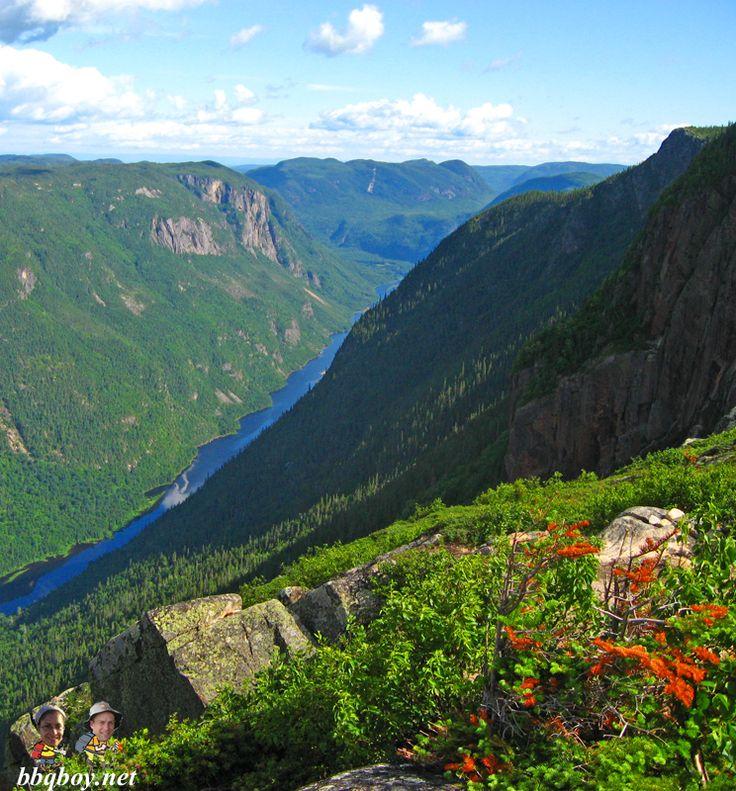 Acropole des Draveurs hike in Parc des hautes gorges de la riviere Malbaie - one of Quebec's best hikes: http://bbqboy.net/road-trip-to-tadoussac-the-saguenay-fjord-and-parc-des-hautes-gorges-de-la-riviere-malbaie/ #quebec #hikes #canada