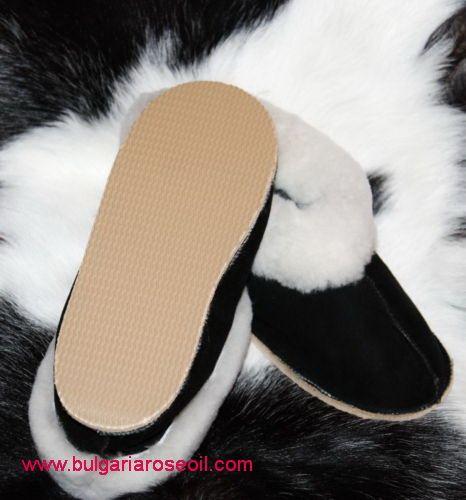 GENUINE SHEEPSKIN Slippers size 9.5 UK size promotional price