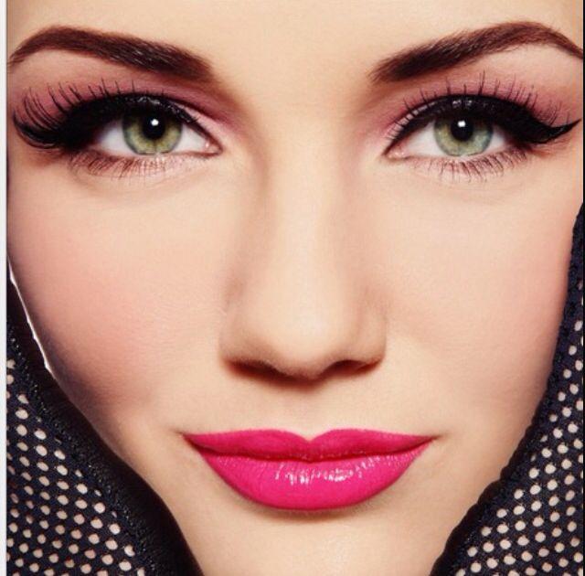 Beautiful make up look, pink lips , light pink tones