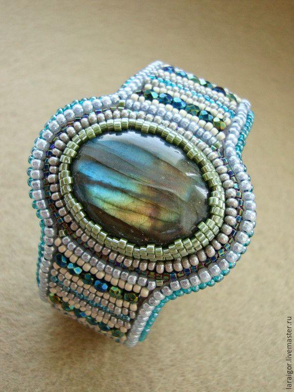 """Купить Браслет """"Созерцание"""" (вышивка бисером, лабрадорит) - разноцветный, браслет с лабрадоритом, браслет вышитый бисером"""