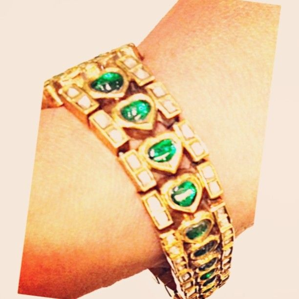 Day twenty-eight: Wore #antique swordlily bracelet with diamonds and emeralds by @sannu. #30daysofsparkles #armcandy #armparty #jewel...