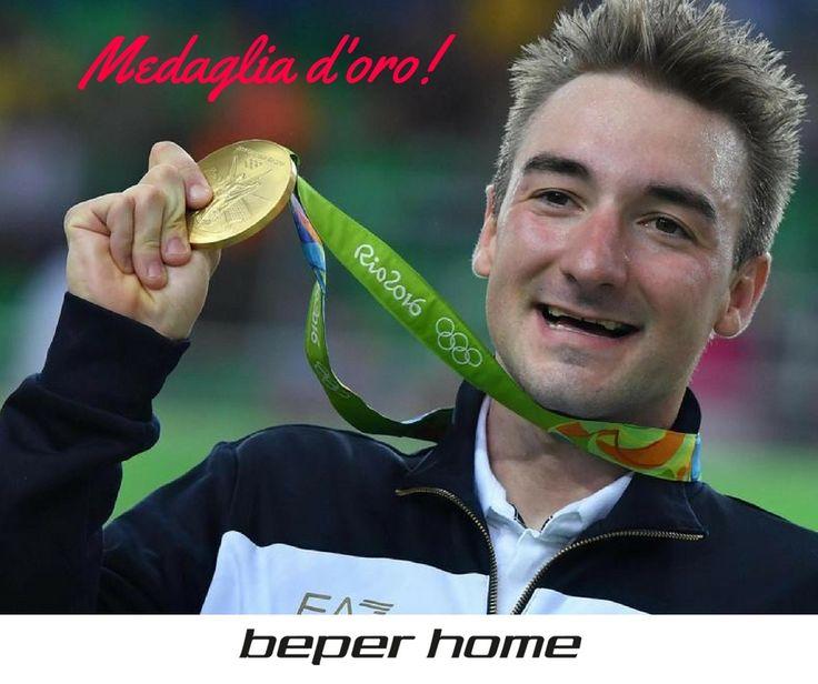 OLIMPIADI RIO 2016 Il veronese Elia Viviani si aggiudica la medaglia d'oro nel ciclismo su pista omnium. Davvero congratulazioni!  E tu stai seguendo i nostri ragazzi?  @beperhome #olympics #rio2016