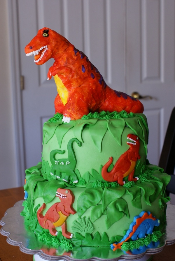 121 best dinosaur cakes images on Pinterest Dinosaur cake Dino