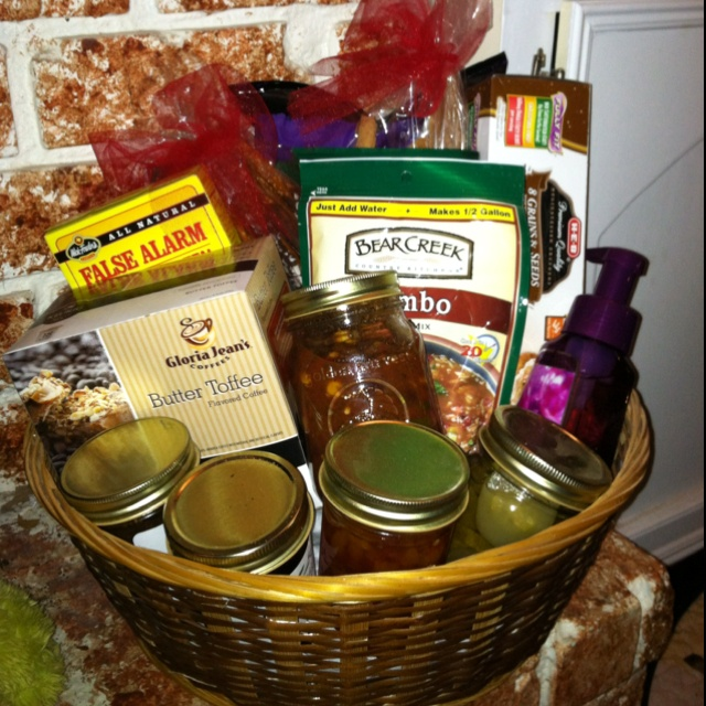106 best diy deck the hall 39 s gift basket ideas images on for Homemade christmas gift basket ideas