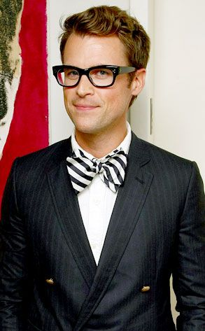 This man?  I can't even.  I love me a bow tie and I love me some Brad Goreski.  The way he tosses convention to the wind is something we can all learn from.  Bananas.