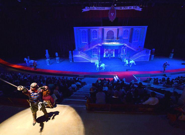 À quelques secondes d'un épique combat de cape et d'épée ! - Mousquetaire de Richelieu #PuyduFou #parc #spectacle #show #themepark