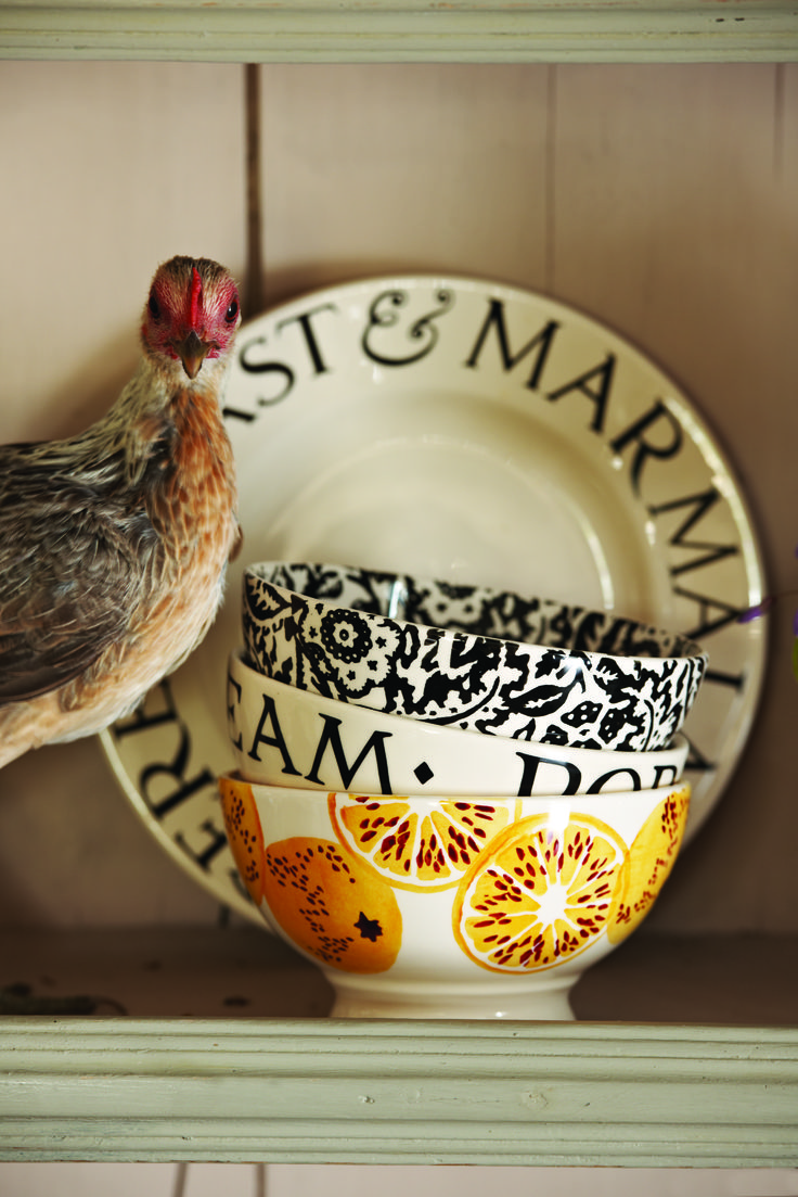 Our French bowls are inspired by the ones they use for milky morning coffee in France, but they're just the right size for a generous helping of muesli or porridge. *HEN NOT INCLUDED*