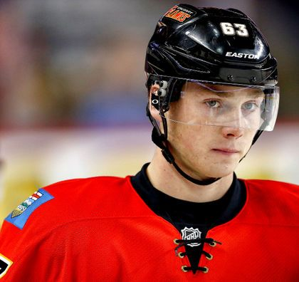 Snapshots: Debut has to wait for Calgary Flames prospect Sam Bennett Calgary Flames #CalgaryFlames