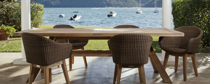Knox Table And Matz Chairs