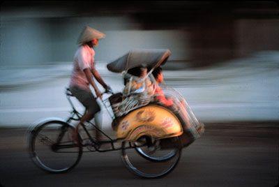 I'm a regular customer of Mang Ali, one becak driver near my home, when i was in kindergaten.