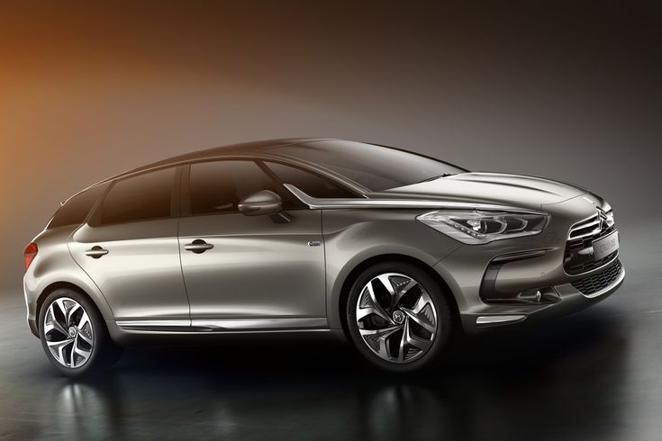 #SouthwestEngine The Citroën DS5 is a compact executive car
