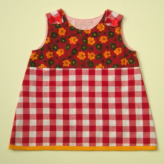 Dress with checked garment, combined with a vintage floral garment.