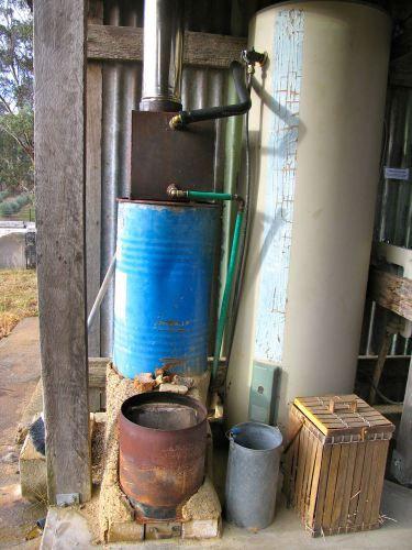 Rocket stove water heater (www.milkwood.net)
