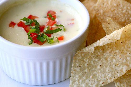 dip: White Cheese Dips, Guacamole, Blanco Dips, Texas Recipes, Queso Dips, The Heat, White Cheese, Dips Recipes, White Chee Dips