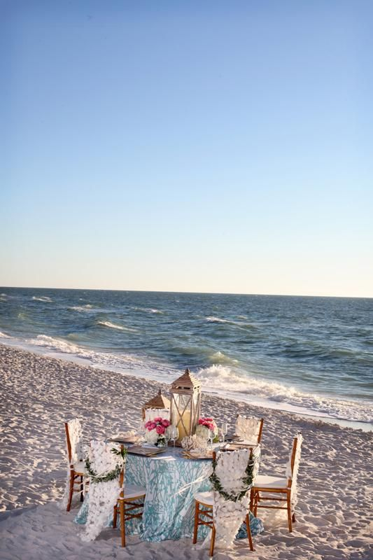 A perfect beach tablescape