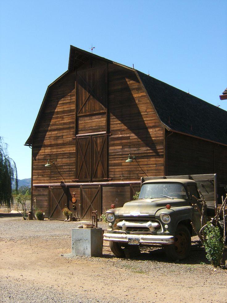 Built around 1920 this pennsylvania dutch gambrel roof Dutch gambrel barn