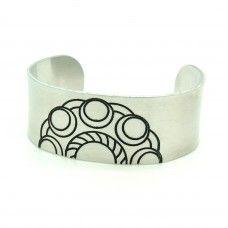 Gegraveerde brede Zeeuwse knop armband