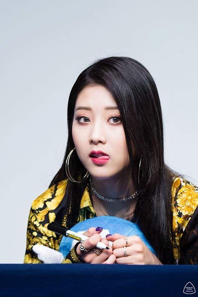 Pin By Aries On Clc Clc Kpop Girls Kpop
