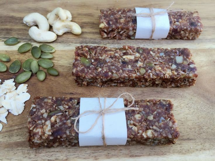 Searching for the ultimate mid-morning snack? This Chewy Chocolate Muesli Bar is so yummy and healthy! Check out this recipe and give it a try!