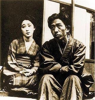 Model and muse O You お葉 and painter Takehisa Yumeji 竹久夢二 (1884-1934) in the 1920s.