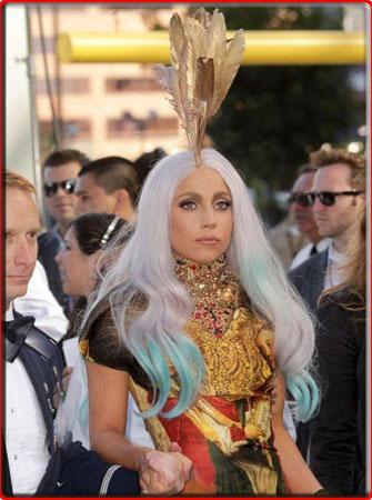 Lady Gaga's VMA 2010 Redcarpet Costume Photos
