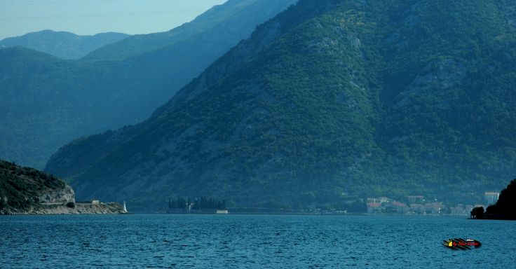 Bay of Kotor, Montenegro, Nikon Coolpix L310, 31.8mm, 1/500s, ISO80, f/5.1, -1.0ev, panorama mode: segment 2, HDR-Art photography, 201607100836