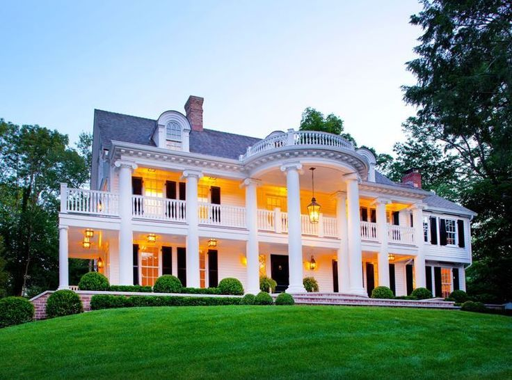 Love The Huge Porch That Wraps All The Way Around House