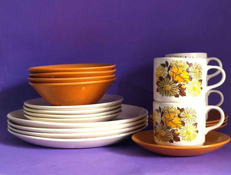 Johnson of Australia Daisy Poppy Sunflower Orange Dinnerware Set - 70s Yellow Floral Dinner Set - Flower Power - Made in Australia by FunkyKoala on Etsy
