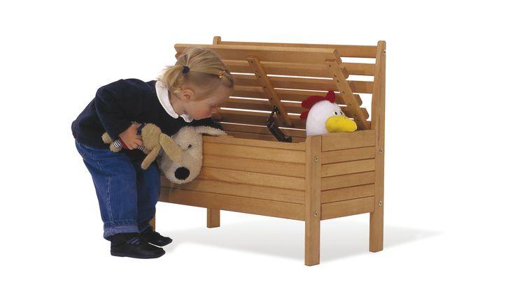 Produkt Detailinformationen: • Vollmassiv: Buche, geölt mit Leinsamenöl • B 65 cm, T 33 cm, H 61 cm • Sitzhöhe 35 cm • Empfohlen für Kinder von 2 bis 8 Jahren