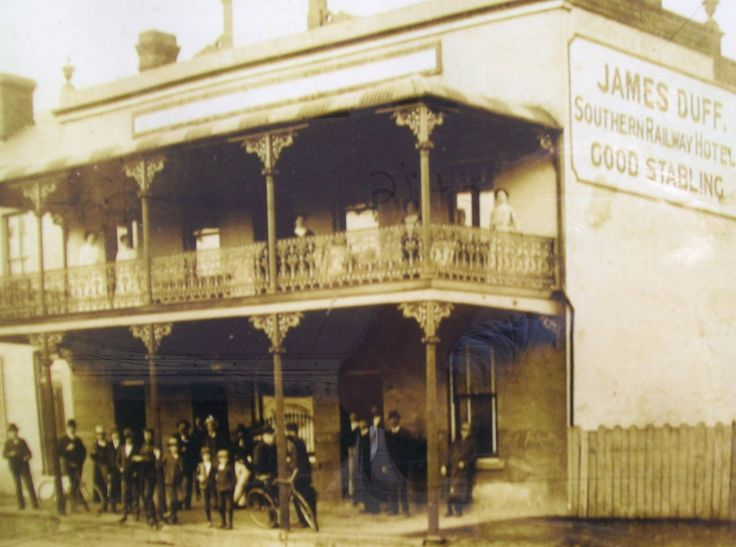 The Coolavin Hotel pre 1920 extension (fondly known as Ernie's by the locals).  Sloane Street, Goulburn NSW.