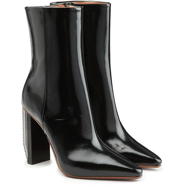 Vetements Patent Leather Ankle Boots (€1.399) ❤ liked on Polyvore featuring shoes, boots, ankle booties, black, ankle boot, vetements, black boots, short boots, bootie boots and black bootie