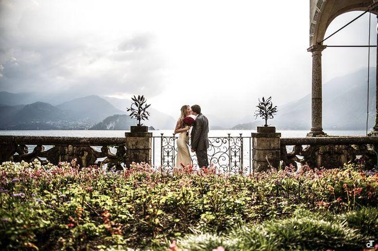 Il fascino di sposarsi sul lago di Como (foto Daniela Tanzi) www.tosettisposa.it #abitidasposa2015 #wedding #weddingdress #tosetti #abitidasposo #abitidacerimonia #abiti #tosettisposa #nozze #bride #modasottolestelle #agenzia1870 #alessandrotosetti #domoadami #nicole #pronovias #alessandrarinaudo# realtime #l'abitodeisogni #simonemarulli #aireinbarcellona #rosaclara'#airebarcellona # زواج #брак #فساتين زفاف #Свадебное платье #حفل زفاف في إيطاليا #Свадьба в Италии