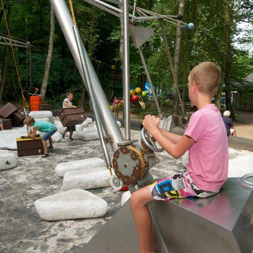 De Spelerij Es un parque infantil diferente donde los niños pueden jugar e inventar.