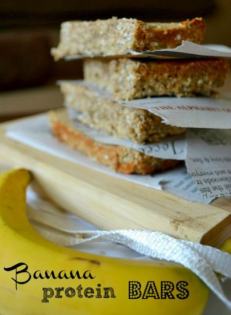 banana protien bars. perfect for a snack while on a hike!    Ingredients  1 cup instant oats  2 ripe bananas  2 scoops or 42 grams vanilla protein powder (I used Sun Warrior)  2 tbsp almond milk  1 egg  2 tbsp chia seeds  2 tbsp almond flour  1 tbsp agave syrup  sprinkle of cinnamon  sprinkle of salt
