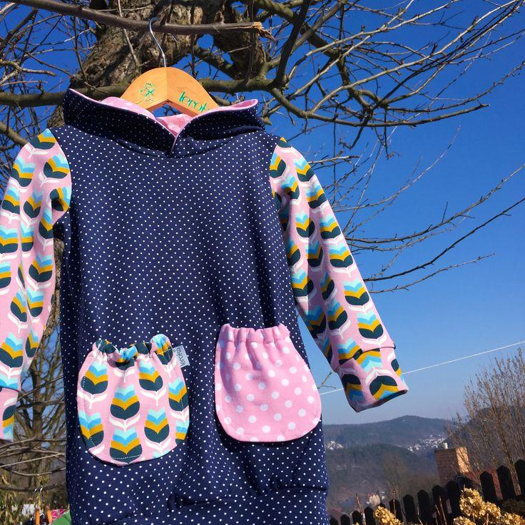 """tunika/šatičky ... TULIPÁNY S PUNTÍKY - dívčí šaty/tunika z bavlněného úpletu, slušivý střih, který umožňuje malým slečnám volný pohyb nožek při hraní a běhání - pohodlné pro všední i sváteční dny - slouží nejen jako šatičky, ale i jako slabší mikino/šaty šatičky ve velikostech """"KLASIK"""" a """"SLIM""""..."""