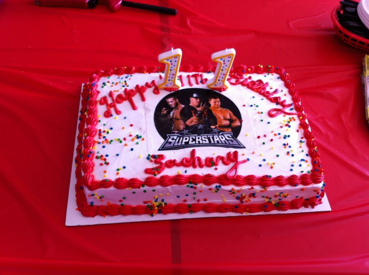 Wrestling cake with edible