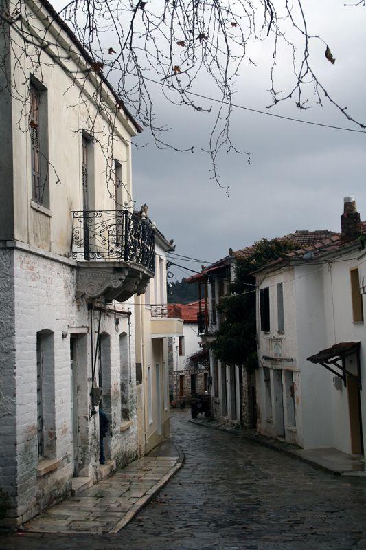Alley, Pelion Lafkos, Greece