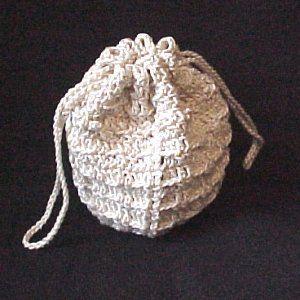 Cosmetics Drawstring Bag - A free Crochet pattern from jpfun.com.