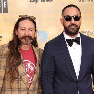 Oliver Peck, Chris Nunez in Spike TV's 10th Annual Guys Choice Awards - Arrivals