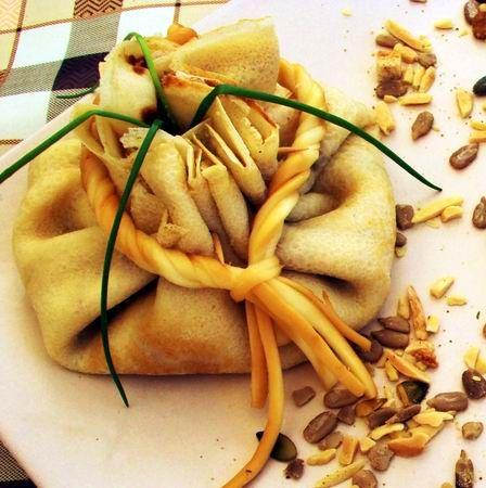Egy finom Hagymás-cukkinis palacsintabatyu ebédre vagy vacsorára? Hagymás-cukkinis palacsintabatyu Receptek a Mindmegette.hu Recept gyűjteményében!