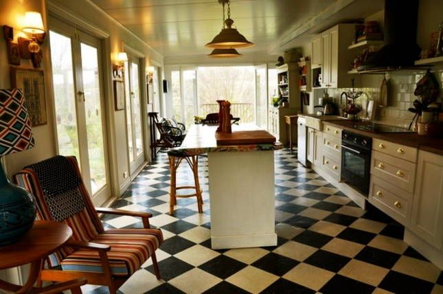 Villa Ovest Divine eat-in kitchen with a view