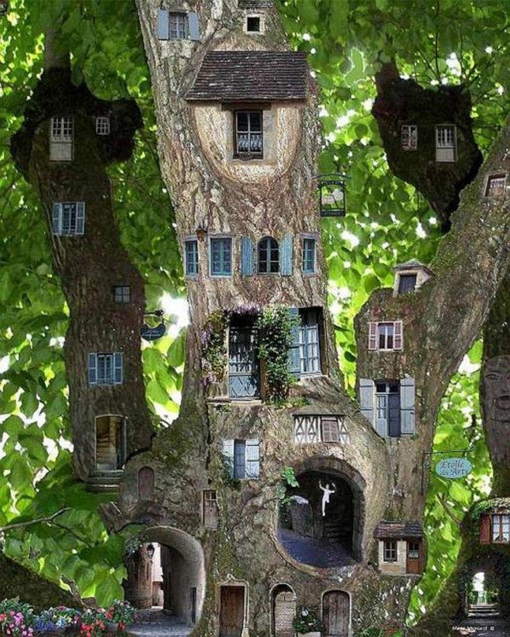 Die Häuser im Baum Dieses Haus hat zwei wesentliche Unterschiede zu anderen Häuser, die bereits beschrieben wurde, als zuvor. Erstens, Fenster und Türen nicht ausgeschnitten sind durch und durch, und zweitens, es ist eine lebendige Baum. Die Anzahl der Teile ist einfach unglaublich, wir können sehen, wie fließt das Leben auf der kleinen Pariser Gassen