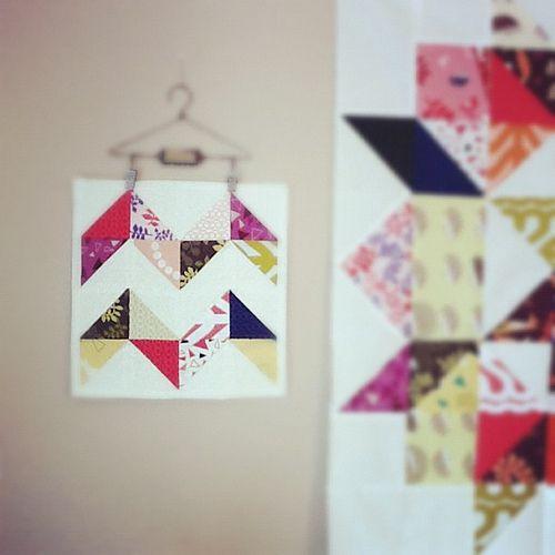 The cutest mini quilt.: Color, Hst Ideas, Quilty Inspiration, Quilts Ideas