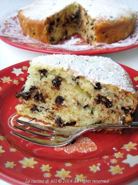 gi ho preparato una torta di ricotta con gocce di cioccolato molto buona, e soffice e prima di servirla ho spolverizzato di zucchero a velo La cucina di ASI