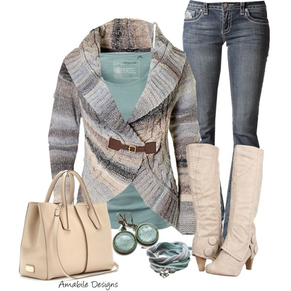 Winter / Fall Outfit.  Teal & beige sweater, teal tank top, blue jeans, beige boots & purse.