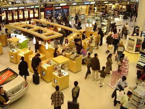 Doha airport duty frees shop - Qatar